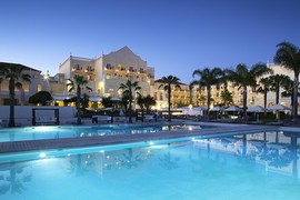 The Lake Spa Resort in Algarve