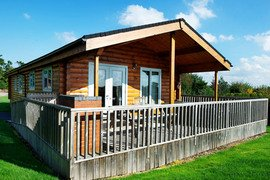 Meadow View Lodge, Oaklands Country Lodges in Sudbury
