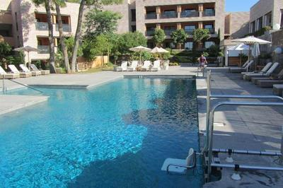 Accessible hotel with pool hoist in Marbella, Spain