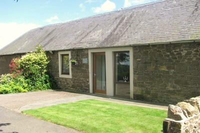 Accessible Scottish Borders cottage in Melrose with ceiling track hoist