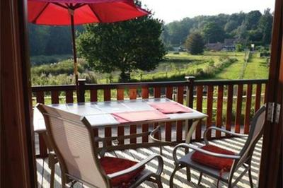 Shropshire Located On A Site Constructed Around A Trout Farm And Is Very  Private And Quiet. Very Well Adapted Pine Lodge With One Single Electric  Bed.