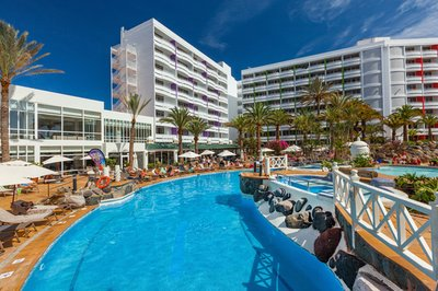 Accessible hotel with pool hoist in Gran Canaria