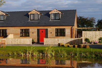 Accessible lakeside holiday cottage with wheelchair access in Lancashire