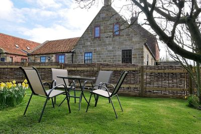 Accessible Yorkshire cottage in Whitby with ceiling track hoist