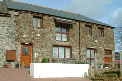 Accessible Cornwall holiday accommodation with ceiling track hoist