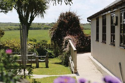 Accessible lodge and beautiful garden with profiling bed in St Agnes, Cornwall
