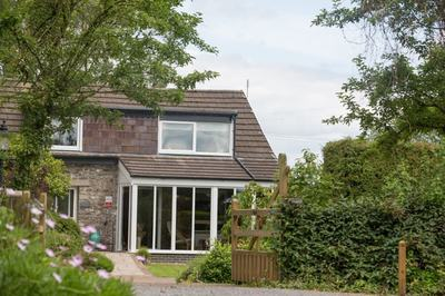 Disabled-friendly holiday cottage with adapted bed in Carmarthenshire, Wales