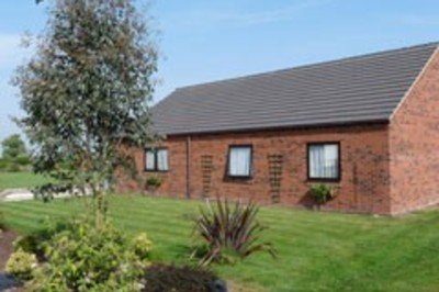 Attractive accessible cottage with large garden and profiling bed in Yorkshire