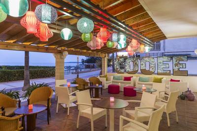 Beach Hotel 63086 In Cala Bona Disabledholidays Com
