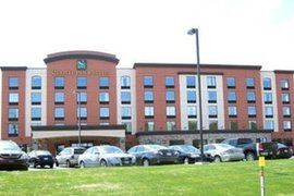 Quality Inn & Suites in Levis