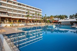 Cavo Maris Beach Hotel in Protaras