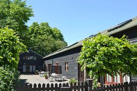 Inadown Farm Holiday Homes - Middledown in Hampshire