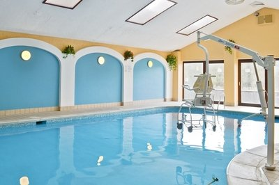 Accessible cottage with pool hoist in Cardigan, Wales