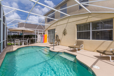 Accessible villa with pool hoist in Orlando, Florida