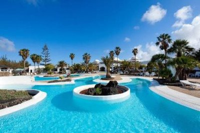 Accessible hotel with pool hoist in Lanzarote