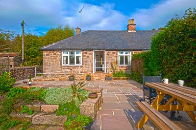 Accessible holiday bungalow with profiling bed and sensory room, Matlock, Derbyshire