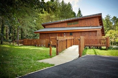 Disabled-access woodland lodge in Thetford, Norfolk, with hot tub hoist