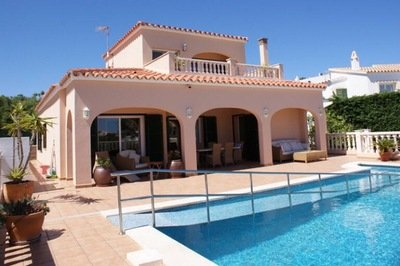 Accessible wheelchair-friendly Spanish villa with pool, Menorca