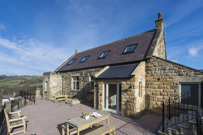 Wheelchair-friendly Yorkshire cottage with ceiling track hoist