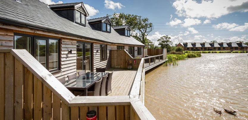 Disabled lakeside cabin in Hambleton