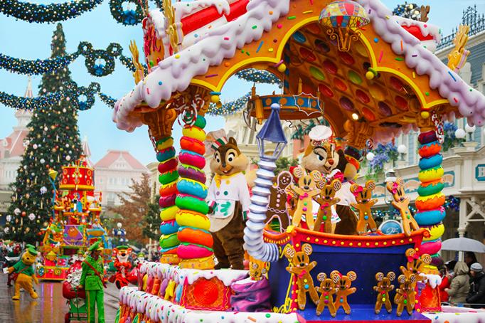 Disney Christmas Parade.Accessible Disney Christmas Holidays