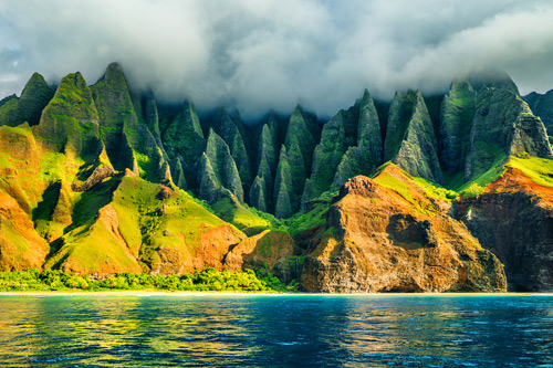 Cliffs and cloud on the coast of Hawaii